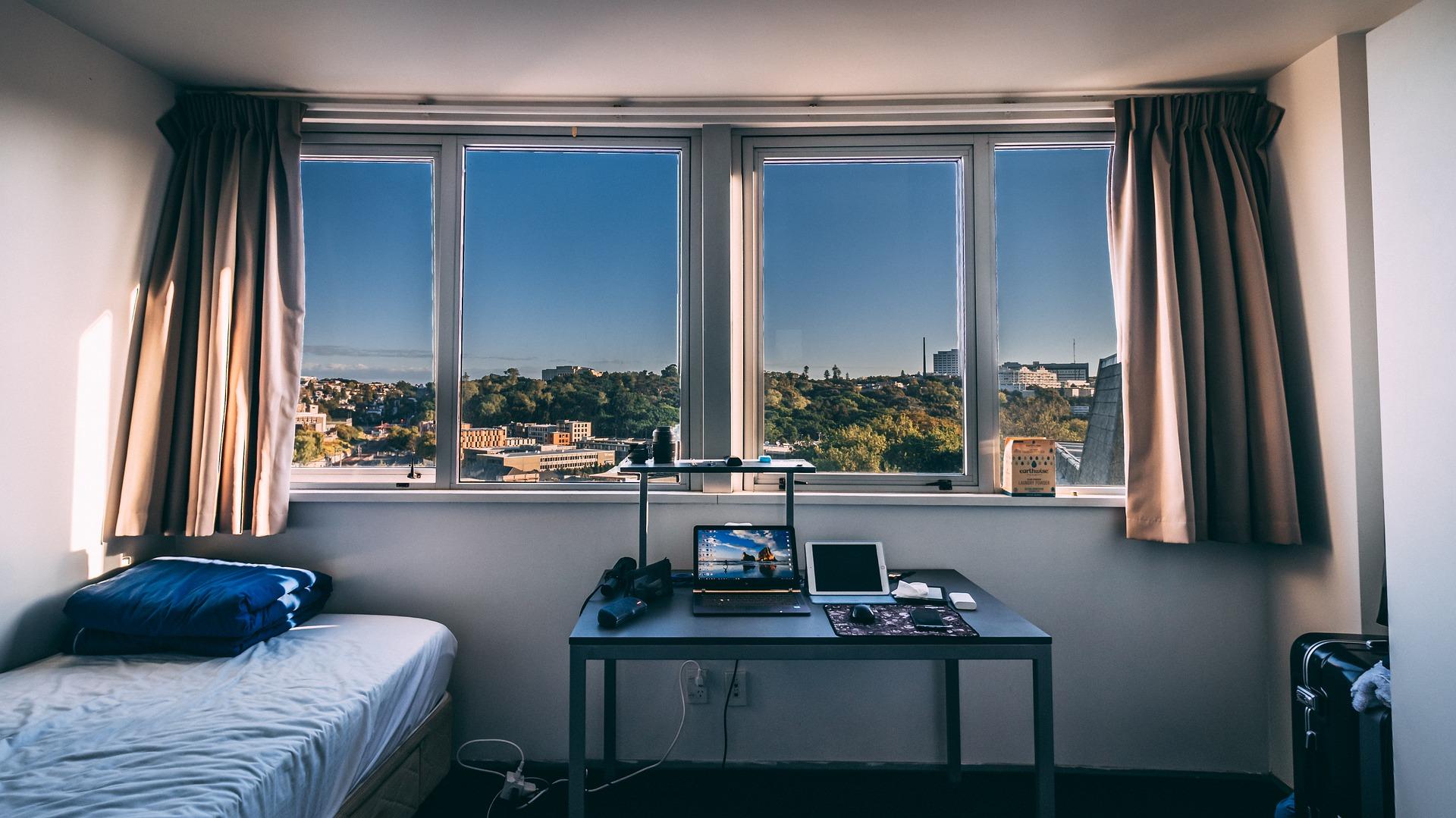 Mieszkanie w akademiku - warto?