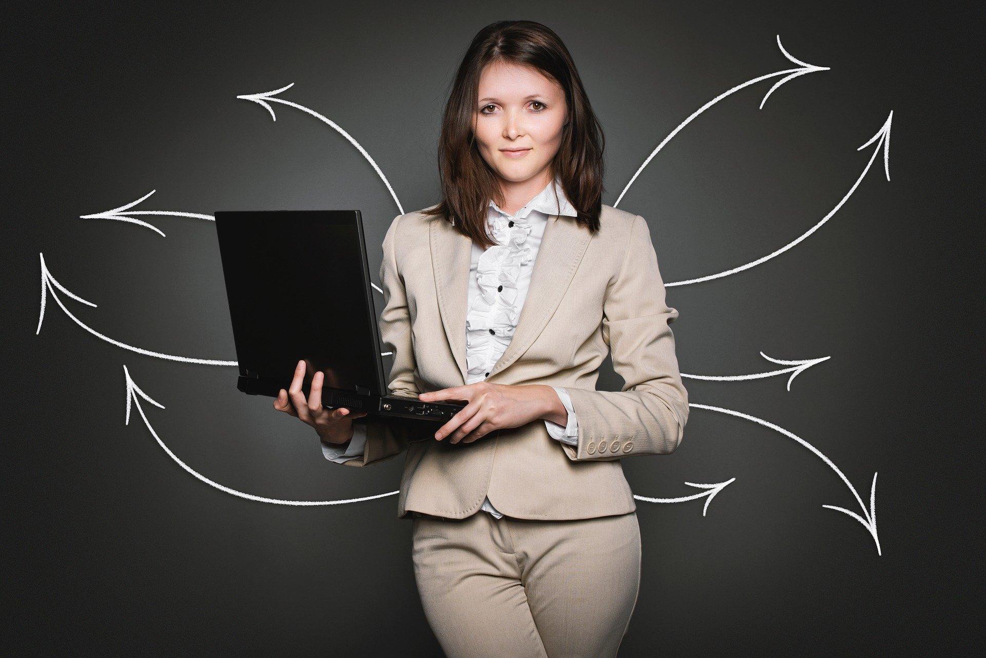Pierwsza praca po studiach – jaka i gdzie szukać?